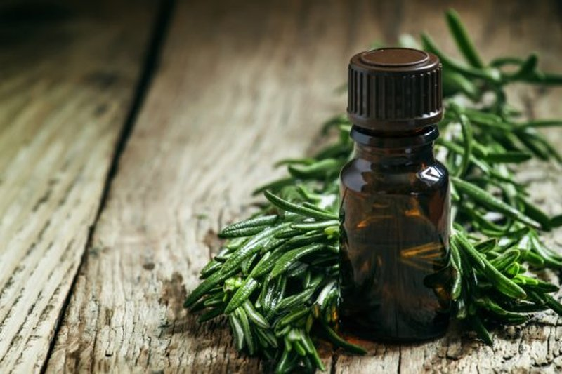 tea-tree-oil-e-brufoli-acne